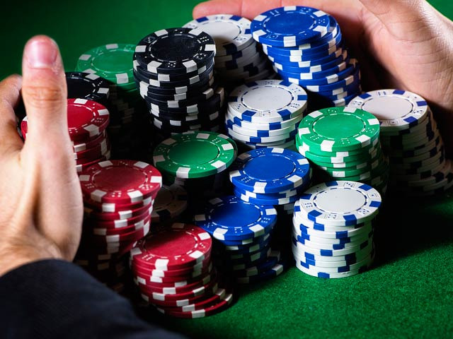 Online poker - Current poker bonuses